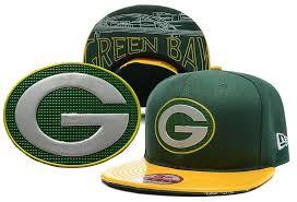Cuffed Pom Era Hat New Knit Green Bay Packers Mens