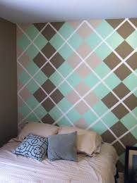 paint design on the wall using painting tape my