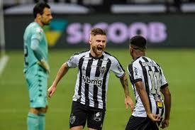São Paulo tropeça e Galo abre vantagem no Brasileirão; Verdão vence na  Libertadores