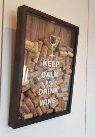 Raquel freitasfesta tema vinho · olha que lindo estas dicas para decoração de mesa para jantar executivo. Quadro Com Vidro Para Guardar Rolhas Tema Vinho Item De Decoracao Usado 38459749 Enjoei