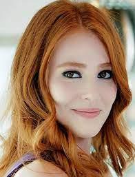 Elçin Sangu   Red haired beauty, Red hair woman, Red hair