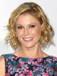 julie bowen short curly hairstyle 2017 hairstyles for women over 40 50