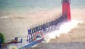 Video By The Lake Video Taken Of Lake Michigan Creature Draws Skeptical
