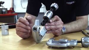 RIDGID - How To <b>Cut</b> Stainless Steel Pipe - YouTube