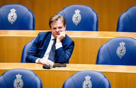 During the 2010s omzigt became a vocal opponent of mark rutte which his party is in a coalition with since 2017. I Tp65prbg043m