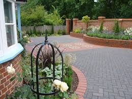 Small Picture Garden Design Designer in Newbury Reading Berkshire Hampshire