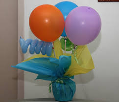 balloon centerpieces ahhh would have wanted to use qualatex but no
