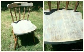 to distress furniture with spray paint