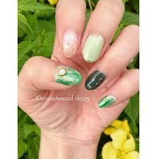 新緑の季節にピッタリグリーンネイルのやり方 セルフネイル簡単