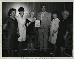 1969 Press Photo Rita O'Reilley accepts plaque from Rex Trailer, Mabel |  Historic Images