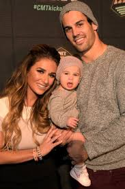 Best 25+ Jessie james decker pregnant ideas on Pinterest | Jessie ...