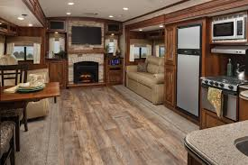 travel trailers with large bathrooms. \u003cstrong\u003eUpscale Amenities\u003c\/strong\u003eJaw-dropping Interiors Put Eagle Travel Trailers With Large Bathrooms