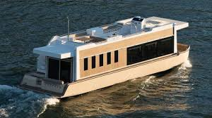 Pictures Of Houseboats 49 Crossover Houseboat An Evolution In Yachting Youtube