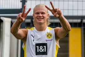 When you see midfielders going for £100m ($138m), you can imagine that a top striker like. Erling Haaland Erlinghaaland Twitter