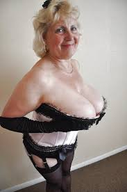 Sexy Amateur Grannies Love With Woman