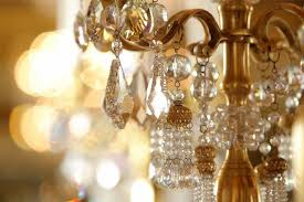 a guide to cleaning chandeliers