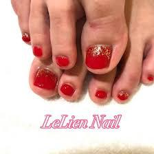 フットネイル 赤 ゴールドlilu Nail所属lilunailのネイルデザイン