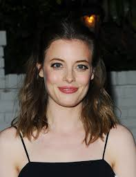 The 34-year old daughter of father William F. Jacobs Jr. and mother Martina Magenau Jacobs, 163 cm tall Gillian Jacobs in 2017 photo
