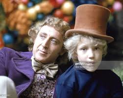Gene Wilder as Willy Wonka and Peter Ostrum as Charlie Bucket on the...  Photo d'actualité - Getty Images