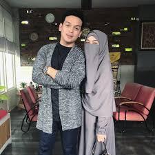 Bahkan wardah maulina membukukan perjalanan kisah asmaranya lewat novel berjudul 'kekasih impian yang menceritakan tentang awal perkenalannya dengan natta reza sampai akhirnya menjalani taaruf dan menikah. 4 Selebgram Muda Bercadar Di Indonesia Hijab Dream Co Id