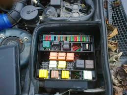 e34 fuel pump relay which one bmw driver net forums problem solved wrong fuse box altogether theres another box on the far side of the bulkhead 2 relays in there main and fuel pump
