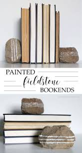 painted fieldstone bookends sand craftsdiy