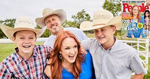 pioneer woman husband ladd. pioneer woman ree drummond\u0027s journey from ranch housewife to culinary superstar | people.com husband ladd