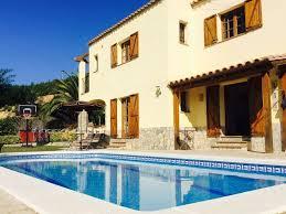 villa familiale avec piscine privée