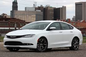 2015 Chrysler 200S AWD: Review Photo Gallery - Autoblog