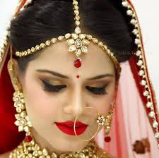 contemporary indian bridal makeup gold eye makeup by beauty station