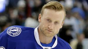 Cardiologist explains Steven Stamkos' condition, signs to watch out for