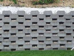 advantages of retaining walls
