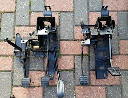issues fitting a corrado pedal box for hydraulic clutch how it lines up fusebox bracket in place