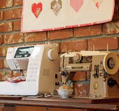 7 Tips for Buying a Sewing Machine | Sew Mama Sew & 7 Tips for Buying a Sewing Machine Adamdwight.com