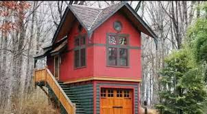 tiny house with garage. Here You Have Your House And Garage All In One Place. Tiny With