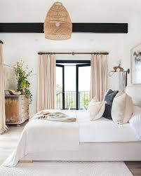 i am o b s e s s e d with anything tropical beachy and malibu inspired when it comes to home decor think light and airy spaces sun washed linen