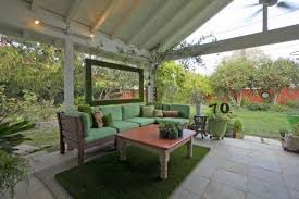 unique ways to dress up your concrete floor with artificial grass a small piece of