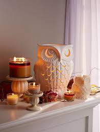 fall bedroom decor. have a hoot with our #welovefall decor! fall bedroom decor