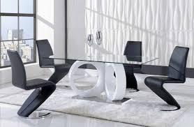 room winsome white black