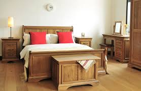 Medium Oak Bedroom Furniture Oak Sleigh Bedroom Sets Bordeau Bedroom Set Twin Cherry Sleigh