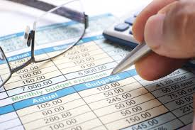 Image result for Especialista dá dicas para administrar finanças durante desemprego