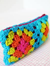 crochet granny square pouch with zipper
