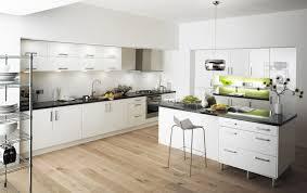 Wooden Kitchen Floor Bring A Stunning Look Modern Kitchen Flooring Ideas Kitchen