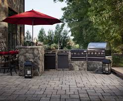 E Paving Stone Patio With Outdoor Kitchen