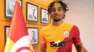 Galatasaray, Sacha Boey ile 4 yıllık anlaşmaya varıldığını açıkladı