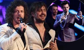 ARIAS 2017: Harry Styles wins Best ...