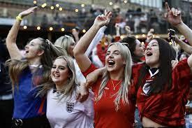 Euro 2020 yarı finalinde Danimarka'yı 2-1 mağlup eden İngiltere finale  çıktı - Evrensel