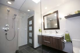 933 you can small bathroom