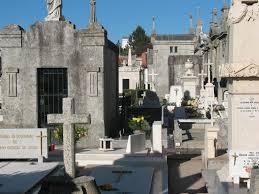 Resultado de imagem para assalto no cemiterio