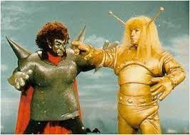 El actor Tetzuya Uozumi (Magma) al principio tendría el rostro pintado, pero el maquillaje se corria, por lo que  se decidió que llevaría una máscara.